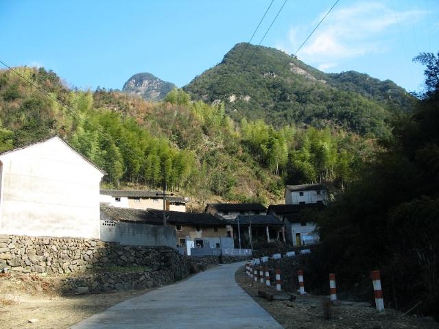 茶叶坑村,长洲村是芦茨乡石舍村下属的二个自然村,与白云源风景区相距