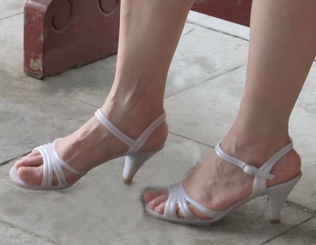 凉鞋踩踏_欧美高跟凉鞋踩踏_女凉鞋踩踏