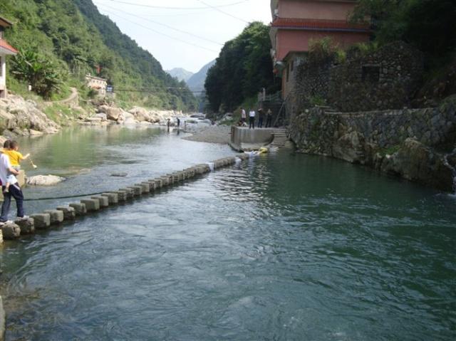 龍泉山風景區蘇浙第一高峰            獨自旅行之鳳凰