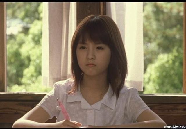 萝莉12岁太大了受不了 小萝莉h吧萝莉洗澡 霜儿九岁 被养房间里的小图片