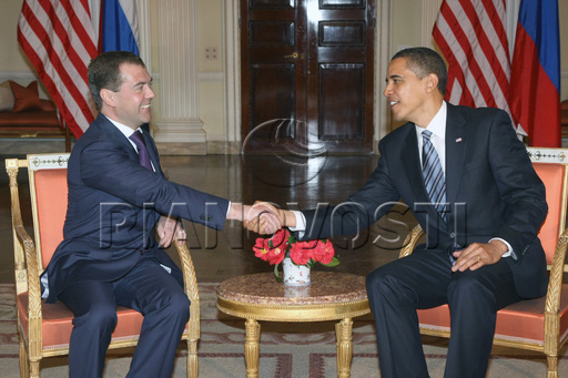 G20合照 胡主席坐着奥巴马站着 相约俄罗斯