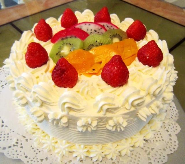 妈妈生日蛋糕_第一次做裱花蛋糕—送给妈妈的生日礼物-小英子的美食界-搜狐博客