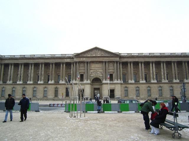 卢浮宫水晶金字塔手绘图