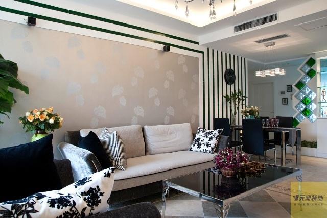 开放式的大厅设计给人以明亮通透之感.装饰木条装饰,干净高清图片